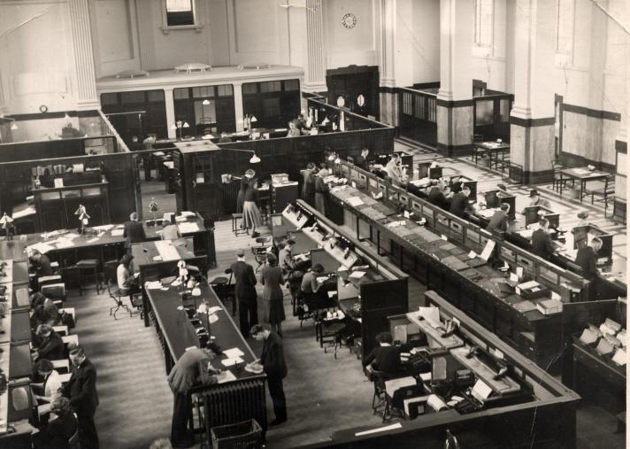 norwich-bank-plain-int-1940s